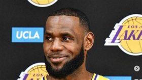 LeBron James出席湖人媒體日 翻攝自LeBron James IG