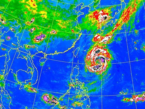 「潭美」颱風路徑詭異 氣象局 ID-1559482