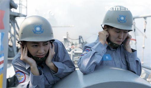 高山峰、許孟哲、李懿、曾智希、郭彥均、阿諾體驗海軍生活 圖/華視提供