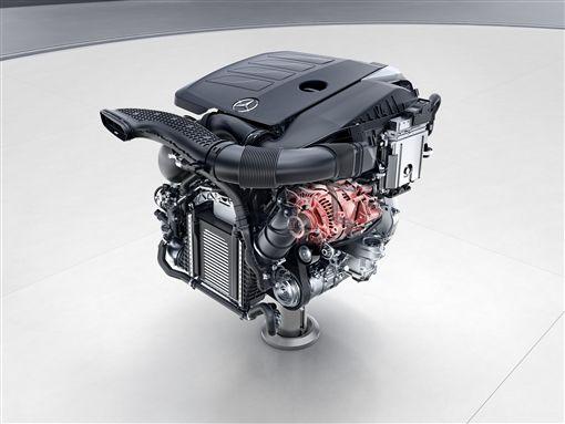 Mercedes-Benz EQ Boost電能科技正式投入量產車。(圖/Mercedes-Benz提供)