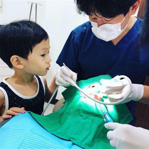 隋棠,懷孕,兒子,Max,看牙/翻攝自隋棠臉書