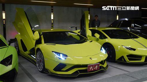 超跑停在豪宅停車場。(圖/記者蔡佩蓉攝影) ID-1563135