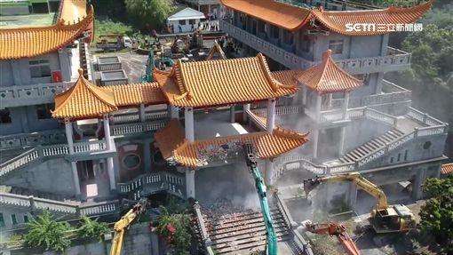 600警進駐防出亂子 共產基地碧雲禪寺拆了