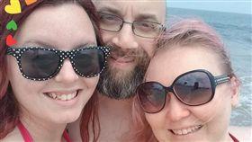 ▲麥克和克里斯蒂娜與艾希莉展開「三人行」生活。(圖/翻攝自Kristina Toms Green臉書) https://goo.gl/4b9cpo