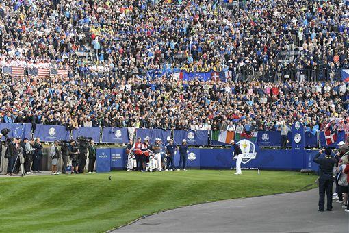 2年1次的萊德盃受到球迷們關注。(圖/美聯社/達志影像)