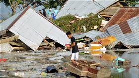 印尼,地震,海嘯,屍體(圖/美聯社/達志影像)