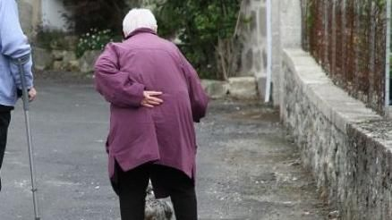 老人,婦人(圖/翻攝自PIXABAY)
