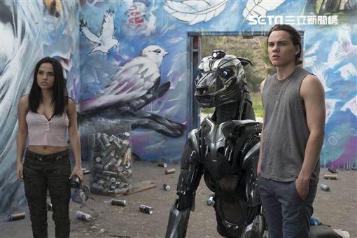 機器戰犬/傳影互動提供