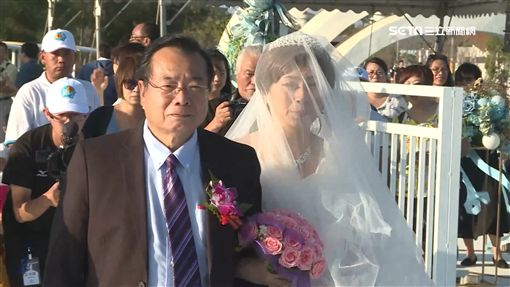 廖峻手牽癌末新娘 水晶教堂完婚圓夢 ID-1566573