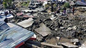 印尼蘇拉威西島遭強震和海嘯襲擊/youtube