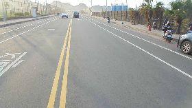 男子違規穿越道路  遭無照少年騎機車