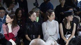 林心如、佘詩曼、吳謹言、徐璐齊聚巴黎時裝周,被網友戲稱是「乾隆的家人」/還珠格格/延吸攻略/甄嬛傳。(翻攝微博)