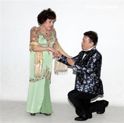 周遊、李朝永拍婚紗照/記者邱榮吉攝影