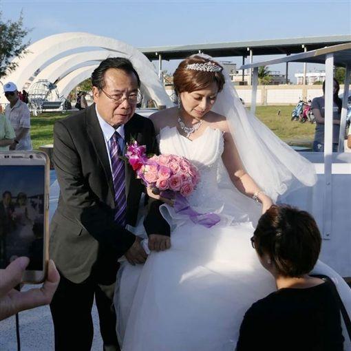 廖峻手牽癌末新娘 水晶教堂完婚圓夢 ID-1570804