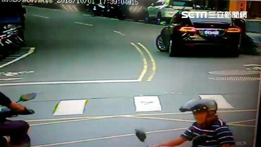 特斯拉,超車,失控,台北,翻攝畫面