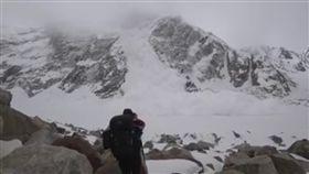 巴基斯坦,雪崩,登山 https://www.facebook.com/masoom.dario/videos/1974591965933696/
