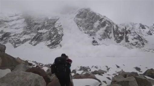 巴基斯坦,雪崩,登山https://www.facebook.com/masoom.dario/videos/1974591965933696/
