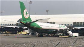 長榮飛雅加達班機旅客休克 轉降高雄小港機場