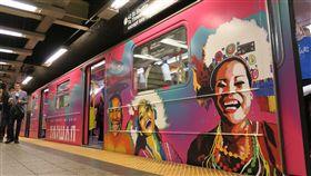 紐約地鐵換新妝 彩繪列車首見台灣元素