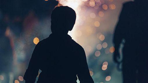 男童,男孩,幼童,性侵,家暴,虐待,虐童,虐兒(圖/翻攝pixabay)