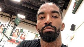 騎士、綠軍爆混戰!JR嗆:街頭等你 NBA,克里夫蘭騎士,打架,J.R. Smith 翻攝自J.R. Smith IG