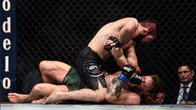 打爆嘴砲哥 卡哈比從小跟「熊」互摔 UFC,MMA,Conor McGregor,Khabib Nurmagomedov,熊 翻攝自推特