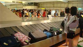 出國,機場,行李,遊客/flickr/baggage claim/https://flic.kr/p/4DqD9k
