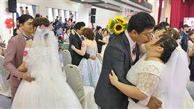 鄭文燦主持聯合婚禮 歡迎年輕人移居桃園