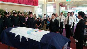 紅葉少棒之父林珠鵬告別式 台東以縣旗覆棺