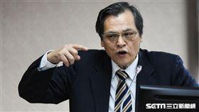 陸委會主委陳明通前往內政委員會備詢。 圖/記者林敬旻攝