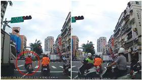 紅燈參考用…三寶婦紅燈違規迴轉!下秒慘被巡邏警KO 圖/翻攝自爆料公社臉書