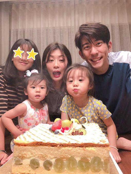 賈靜雯,修杰楷,咘咘,Bo妞,梧桐妹/翻攝自臉書