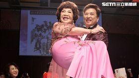 周遊,阿姑,李朝永,世紀婚禮,公主抱/記者邱榮吉攝影