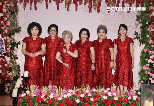 周遊伴娘團紀露霞、吳敏、王滿嬌、陳惠美、張琍敏 圖/記者邱榮吉攝影