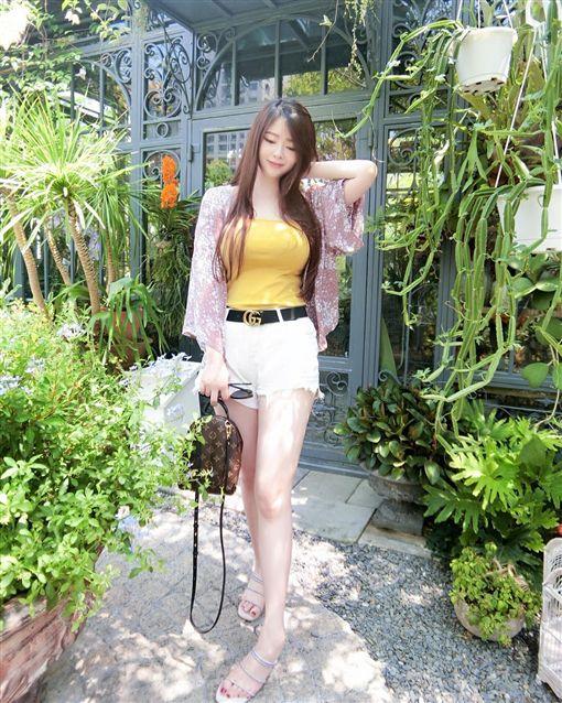 台北,網拍,老闆娘,劉六寧。翻攝自IG:nie1216