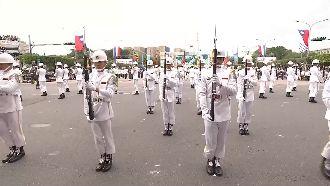 國際級儀隊操槍 蘇祈麟國慶神技領軍