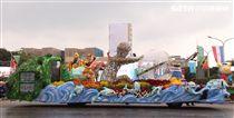 總統蔡英文出席中華民國中樞暨各界慶祝107年國慶大會,由三軍樂儀隊拉開序幕,憲兵快速反應連機車花式表演、學生精彩表演、國慶花車遊行、幻象戰機衝場。(記者邱榮吉/攝影)