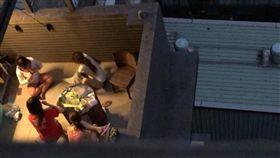 鄰居,喝酒,聚會,脫衣,影片,歪樓,/翻攝自爆怨公社