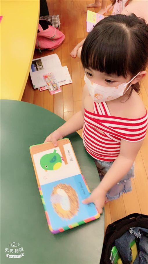 女兒,戴口罩,感冒,洋娃娃,親家母,岳母,/翻攝自爆怨公社、網友授權使用