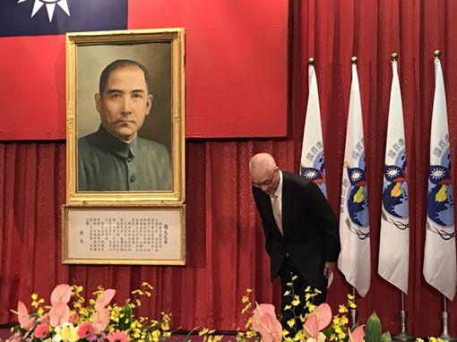 國民黨主席吳敦義11日出席第66屆華僑節大會活動。(圖/國民黨提供)