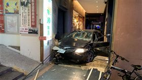 台北,南京東路,ohca,車禍。翻攝畫面