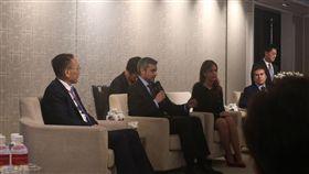 ▲我國友邦巴拉圭總統阿布鐸和台灣媒體茶敘,氣氛熱絡。(圖/林仕祥攝)