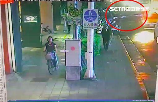 南京東路,尬車,車禍,監視器,撞擊瞬間