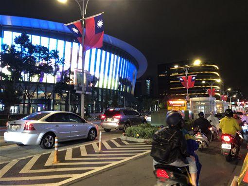 台北,車禍,3死,尬車,公車道,南京東路。楊忠翰攝