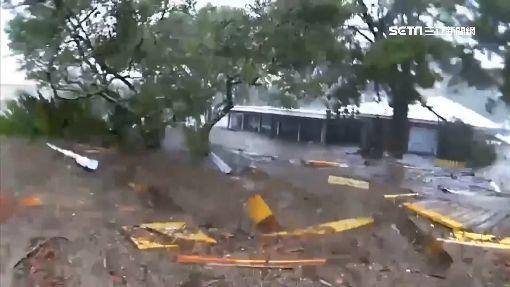 颶風麥可襲佛州 250公里強風灌停車場