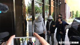 黃佑呈(前面灰色外套),謝亞軒(後面穿黑外套),南京東路,競速,撞死3人,殺人,移送北檢。潘千詩攝影