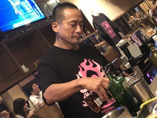 日本AV男優,巧克力球向井,向山裕(圖/翻攝自推特)
