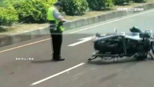 碰!轎車加速追撞重機 騎士噴飛百米亡