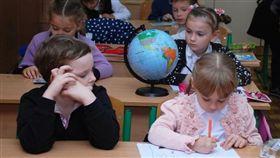 小學,學生,孩童,上課,學校,教室(圖/翻攝自Pixabay)