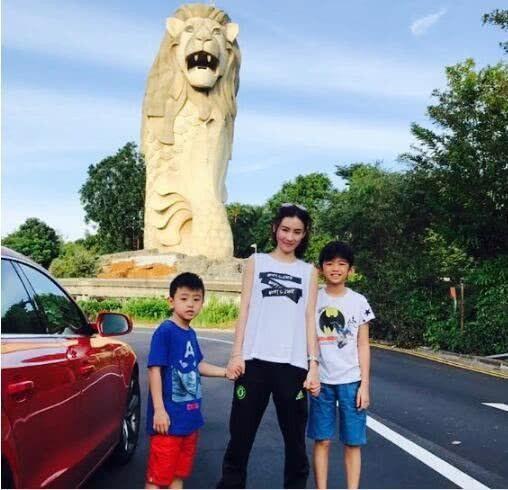 張柏芝經常和2個兒子一起出遊。(圖/翻攝自中原網)